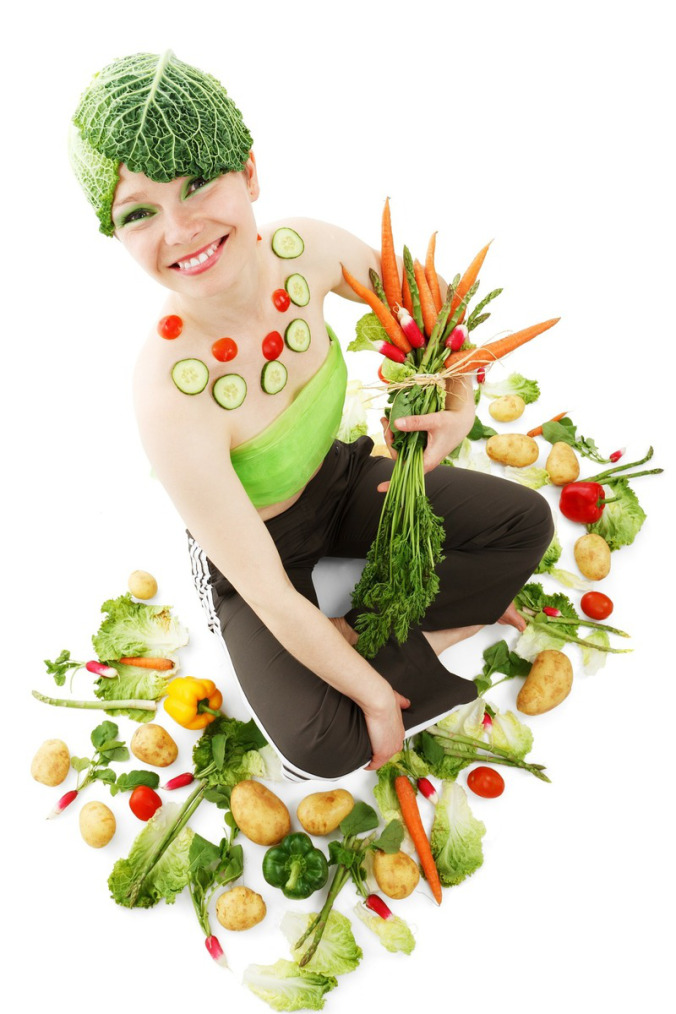lady-holding-veggies
